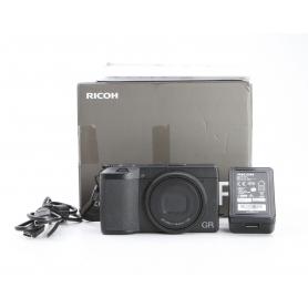 Ricoh GR III Digitale Kompaktkamera (231383)