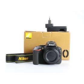 Nikon D5600 (233000)