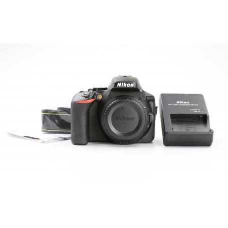 Nikon D5600 (223768)