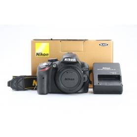 Nikon D3200 (225202)
