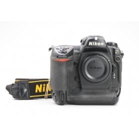 Nikon D2X (228309)