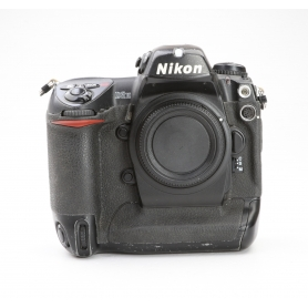 Nikon D2H (228828)