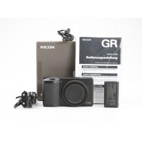 Ricoh GR III Digitale Kompaktkamera (229122)